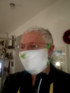 Uschi Lieckweg mit selbstgenähtem Mundschutz