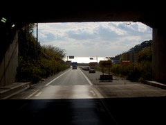 潮見トンネルを抜けると太平洋が・・・