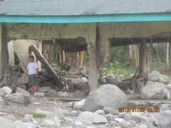 2005年からの「子供の森」計画参加学校も、土砂で校舎が壊れてしまいました.