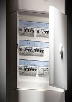 Électricité générale : L'entreprise d'électricité BATTAGLIA intervient sur toutes vos installations électriques, que ce soit dans le neuf ou la rénovation, d'une remise aux normes de vos installations vétustes et toute autre demande en électricité.