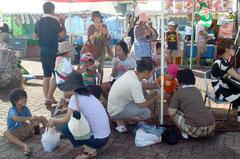 30度を超える暑さで、夏の定番かき氷が一番人気となっていた=石垣港、浜崎