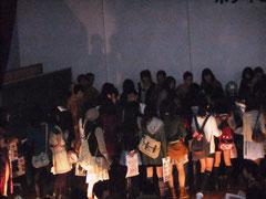 ミスター早稲田2010後の写真撮影の様子