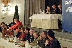 OB-Kandidat Thomas Städtler, dem wiedergewählten Kreisverbandsvorsitzenden Volker Block, seinen Stellvertretern Nurhayat Bakir und Torsten Frank sowie Beisitzer Howard Jacques