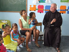 Pater Beda besucht Nova Vida in Crato