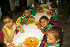 Alle Kinder erhalten täglich eine warme Mahlzeit