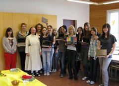 Gewinnerin Tamara Zwyssig und ihre Mitschülerinnen