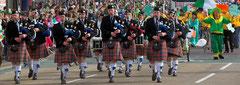 Eine St. Patrick's Parade durch Birmingham