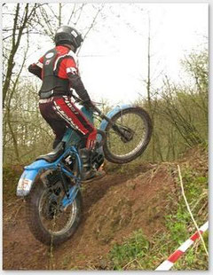 Erich Diestinger 2009. Mit diesem Motorrad leider nicht mehr erlaubt! Für Bericht 2009 auf Foto klicken.