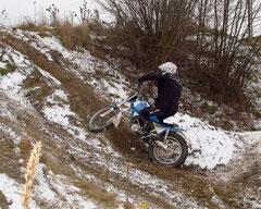 Action auch für Klassik-Trialer: Sepp Fischer auf Eis und Schnee: www.tt-berndorf.at