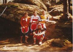 """1982, Trial WM Heinrichs, Herbert und Adi Adamec, Wolfgang Wally und Wolfgang Malaschitz vor der """"unmöglich"""" fahrbaren Stufe. Burgat und Co erklommen sie dennoch."""