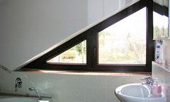 welcher sichtschutz ist f r dreieckige fenster gut. Black Bedroom Furniture Sets. Home Design Ideas
