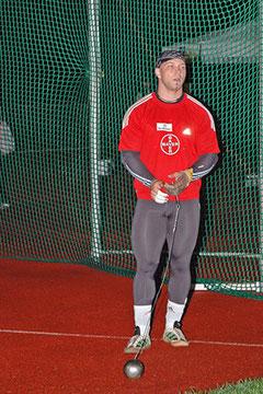 Hammerwerfer Markus Esser setzt seine Karriere bis 2016 fort