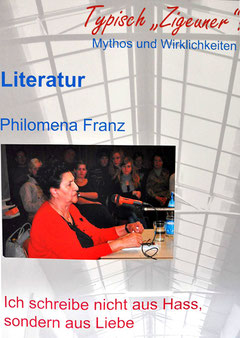 """Philomena Franz in der Ausstellung """"Typisch 'Zigeuner'? Mythos und Wirklichkeit"""" des  Landesverband Deutscher Sinti und Roma Baden-Württemberg, Foto: Manuel Werner"""