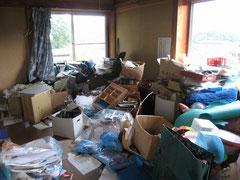 ゴミ屋敷のお部屋の片付けと不用品の撤去と処分業務