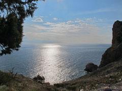Спуск на пляж Василевой балки