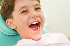 Fissurenversiegelung-Schutz für Kinderzähne