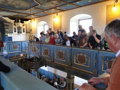 Gottesdienst in restaurierter Kirche