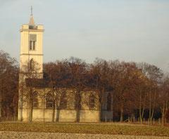 Blick auf die Kirche von Süden
