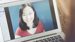 Skypeを使って、英語人材豊富なフィリピンの優秀な講師がレッスンする新しい形の英会話を提供するレアジョブ。