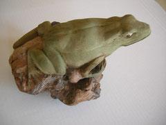 Frosch Froschskulptut Schnitzer Schnitzerei Holzfigur Holzskulptur Widmer Bildhauer
