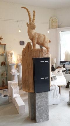 Steinbockskulptur Holzskulptur