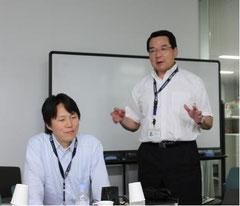 岡野教授(右)と金井助教(左)