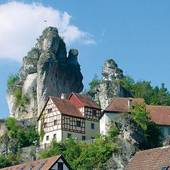 Unser Gasthof liegt zental in Franken, inmitten der Wunderschönen Landschaft der Fränkischen Schweiz.