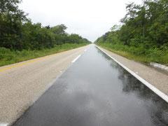 Völlig leere Autobahnen - wem nutzen diese?