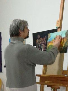 Willi Buesing im Atelier bei der Arbeit