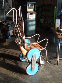 La nuova sedia saliscale in cantiere .