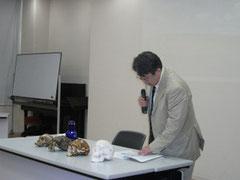 2010年7月25日:「骨は語る」講演風景