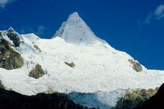 Nevado Alpamayo Peru