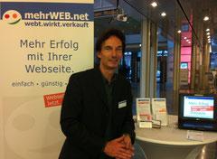 mehrWEB.net in der Axel Springer Passage in Hamburg auf der GKZ-Präsentation im Rahmen der Gründerwoche Deutschalnd 2012