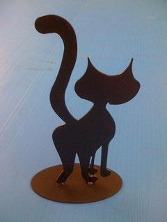 Katze aus Stahl oxynitriert