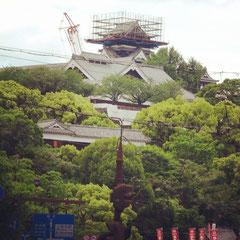 熊本城。「工事中」で立入り不可。
