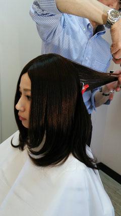 ウィッグ資格をもつ美容師がカット致します。