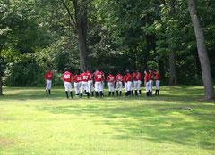 Riscaldamento della squadra presso il Campo nel bosco a Freeport, Pennsylvania (USA)