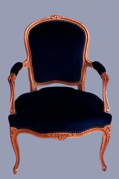 Cabriolet Louis XV tapissé de velours