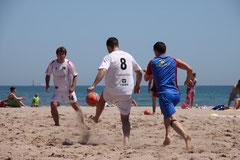 Testspiel am Strand von Valencia