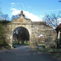 Kloster Adelberg, Eingangstor Innenansicht ©Traudi