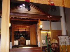 菊名神社本殿(覆殿内)