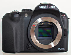 Samsung NX11 front