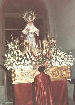 Nuevo trono de la Virgen de la Amargura, 1984