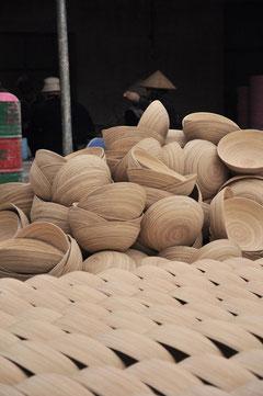 atelier fabriquant la vaisselle en bambou caneco