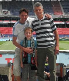 Tom mit Vater und Sohn