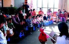 中国での子供向け読書会の様子