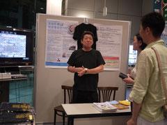 荒波牡蠣復活委員会コーナーには代表の石森さんが。