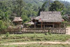 Typisches Dorf in Laos.