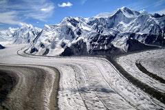 Foto leider nicht von uns: Inylchek Gletscher.