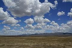 Schier endlose Steppenlandschaft Amdo's.